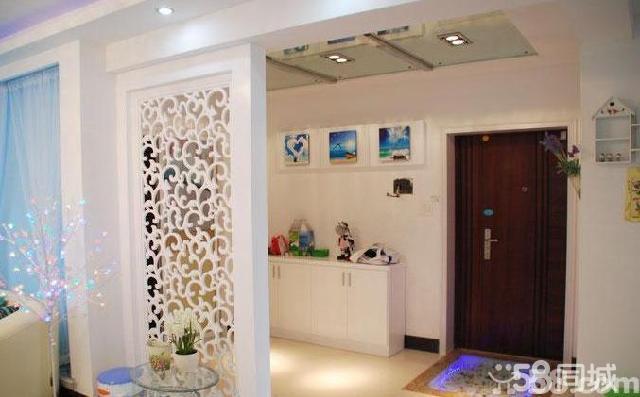 客厅和餐厅玻璃镂空雕花屏风隔断装修效果图